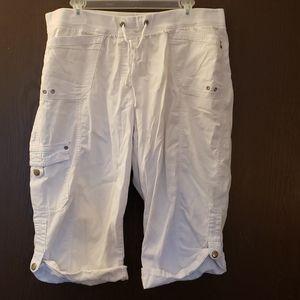 💥BOGO💥 White capri pants